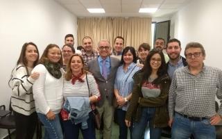 El Dr. Manuel Mª y los alumnos del curso sobre Factores implicados en el éxito de los implantes inmediatos postextracción.
